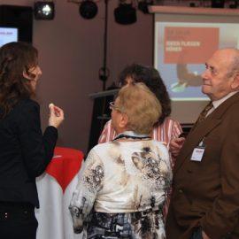 Der Firmengründer und Senior der Firma Adler zusammen mit der Familie